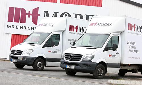 Der kostenlose Liefer- und Aufbauservice von m+t Möbel: Foto der LKW Flotte